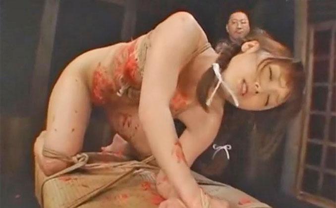 縄犯・美少女 七咲楓花 蝋燭
