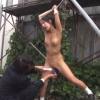 工事現場に女子高生を連れ込んで全裸で両手を釣り拘束し媚薬を塗りたくり声を出せない環境で陵辱的な快楽を与え続ける