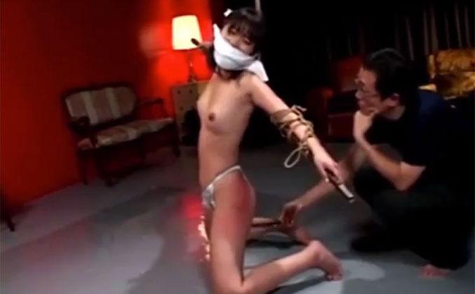 スパンキング 虐待